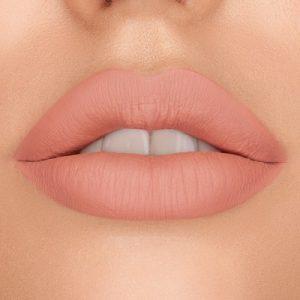 dreamy-matte-liquid-lipstick-vanilla-queen